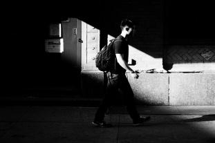 Hors de l'ombre